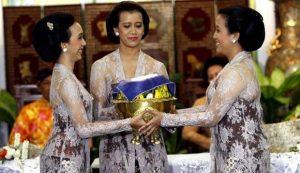 Kebaya Batik Identik dengan Kesultanan Yogyakarta
