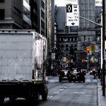 3 Alasan Mengapa Berkendara Dekat Truk itu Berbahaya