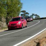 Tips Berkendara Aman Saat Menghadapi Turunan Tajam