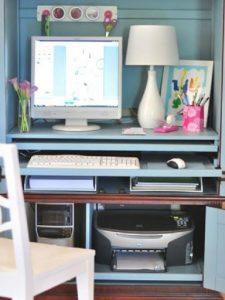 printer di bawah meja komputer
