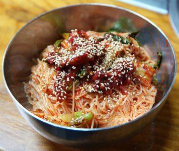 korean food bibim-guksu
