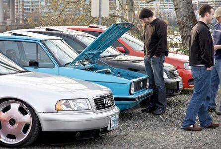 beli mobil bekas