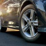 5 Penyebab Ban Mobil Cepat Aus