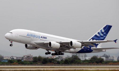 pesawat terbang komersill airbus a380